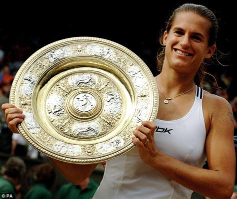 andy murray appoints  wimbledon champion amelie