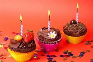 Cremosas cupcakes de cumpleaños