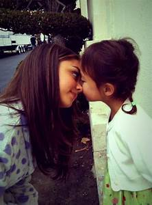 Awwww haley & Lily so cute tgt #modernfamily | Anything ...