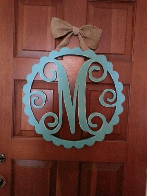 monogram wood door hanger scallop  hatcreekdesigns  etsy  decor wood creations
