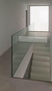Treppenstufen Aus Glas : pin von max mustermann auf kragarmtreppe pinterest treppe treppenhaus und treppenstufen ~ Bigdaddyawards.com Haus und Dekorationen
