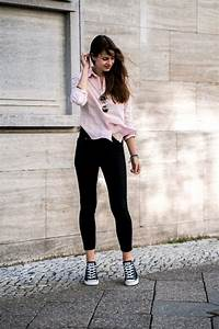 Pink Shirt and Black Jeans || Casual Spring Outfit