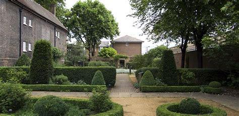 18th century period garden geffrye uk