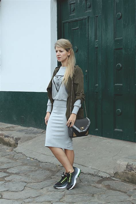 Look of the day - skirt and Nike Air Max   AGAu0026#39;S SUITCASE