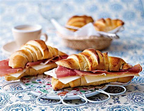 portugiesische croissants mit kaese und schinken rezept