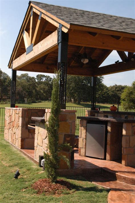 professional outdoor living designers serving dallas
