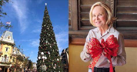 when dies disneyland paris decorate for christmas when does disneyland decorate for popsugar smart living