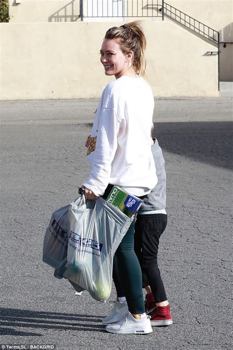 Hilary Duff shops at Big 5 Sporting Goods | Daily Mail Online