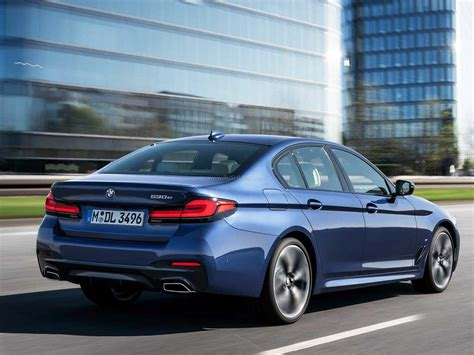 Despite being just a midcycle refresh, the 5 series coverage was quite extensive since bmw has packed the business sedan with a plethora of updates. 2021 BMW 5 Series sedan debuts ahead of India launch - TVC ...