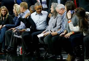barack obama courtside to watch his chicago bulls face