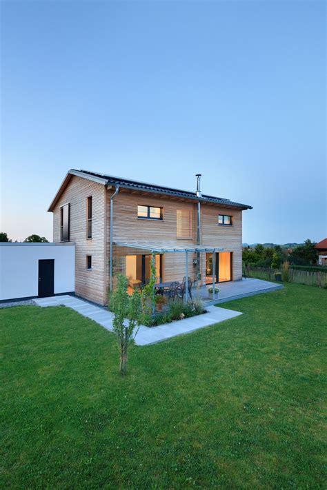 Häuser Mit Satteldach Und Garage by Einfamilienhaus Schneider Baufritz Fertighaus