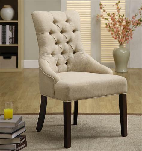 chaise capitonné de couleur crème 39 39 39 39 style
