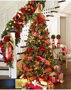 Luxurious Christmas Tree Decorating Ideas For School Decor 32 Amazing Red And Gold Christmas D Cor Ideas DigsDigs