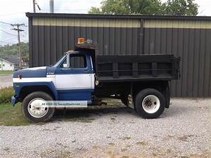 1988 Ford F700