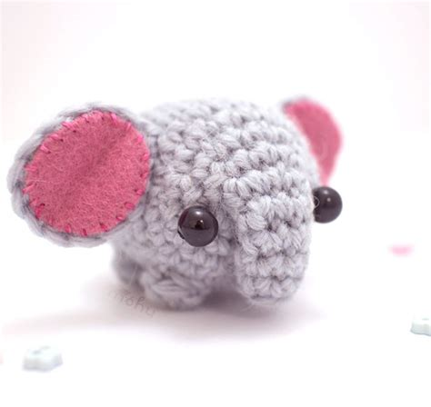 miniature crochet animals  mohustore bored panda