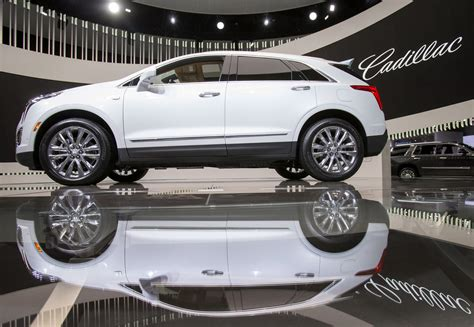 crossover cars 2018 cadillac compact crossover coming in 2018