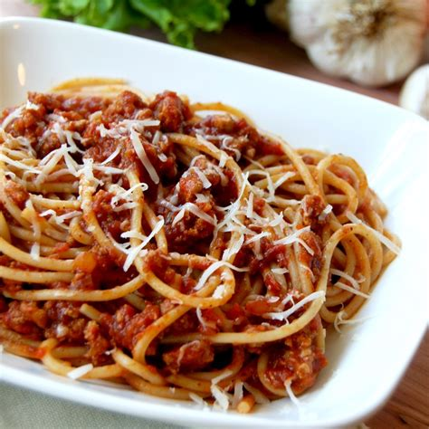 In a medium saucepot, cook pasta for 2 to 3 minutes less than package instructions. Ground Turkey Chili Spaghetti Sauce Recipe | Kitchenbowl
