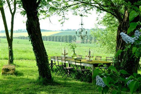 cuisine dans maison ancienne maison de cagne au design romantique en