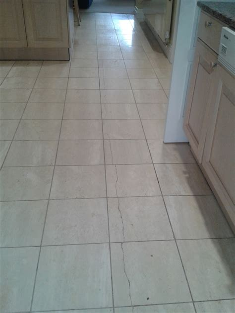 repairing cracked travertine tiles with filler