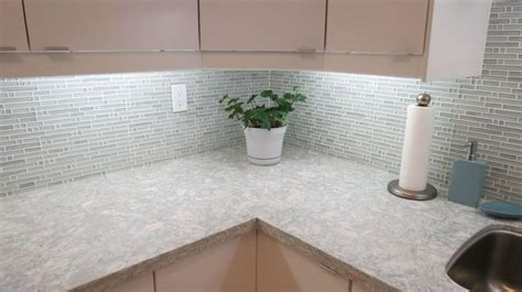 Cambria quartz countertop   Montgomery   River white