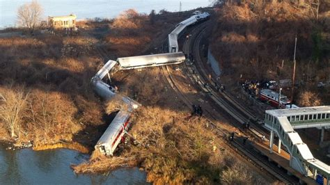Investigators Search For Cause Of Fatal Nyc Metro-north