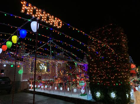 Your city the weather network web site provides weather forecasts, news, and information for canadian cities, u.s cities and international cities, including weather maps and radar maps Candy Cane Lane Kelowna Bc - Edmonton officer named Kiwanis Club's 2018 Top Cop for ... / Watch ...