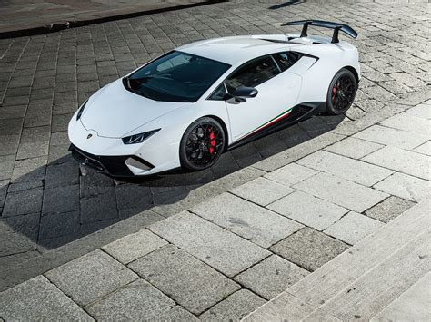 lamborghini huracan performante 2018 2018 lamborghini huracan performante wallpapers pics