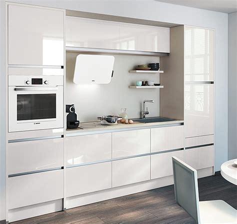 la cuisine de clea cuisine enti 232 rement laqu 233 e pour un style de cuisine 224 l italienne