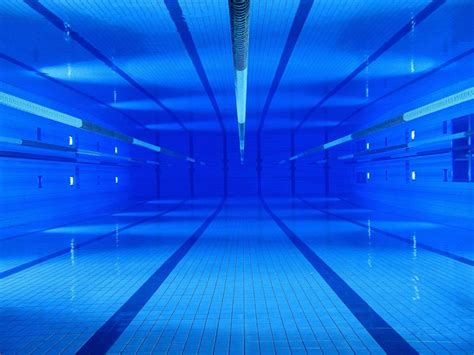 Swimming Pools Underwater Wallpaper