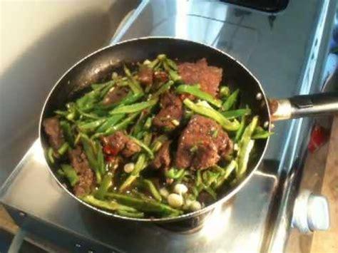cuisiner du foie de boeuf cuisiner du foie de boeuf aux poivrons recette foie de