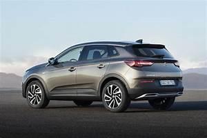 Suv Opel Grandland : opel grandland x 1 6 at suv suitably urban vehicle ~ Medecine-chirurgie-esthetiques.com Avis de Voitures
