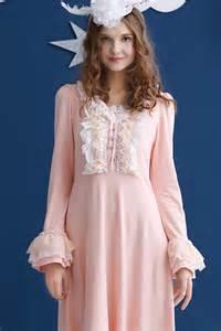Vintage White Cotton Nightgowns