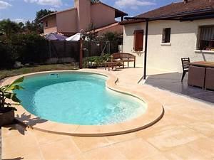 cornaline votre piscine haricot a fond plat avec escalier With plan de bassin de jardin 17 piscine haricot