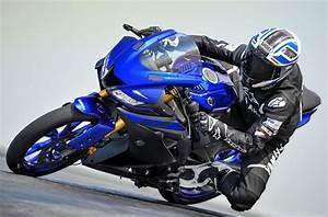 Moto 125 2019 : yamaha yzf r 125 2019 fiche moto motoplanete ~ Medecine-chirurgie-esthetiques.com Avis de Voitures