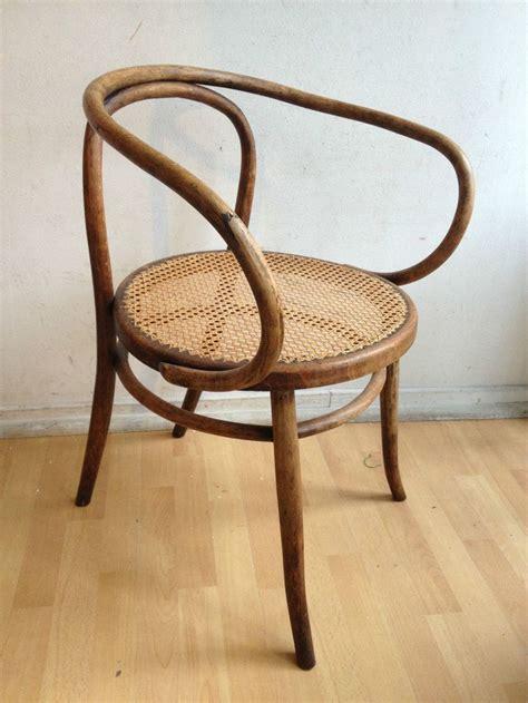 siege baumann ancien fauteuil en bois courbé assise cannée baumann