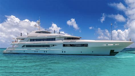 Yacht Luxury by Over 100 Luxury Yachts For Sale Mega Yachts For Sale By Iyc
