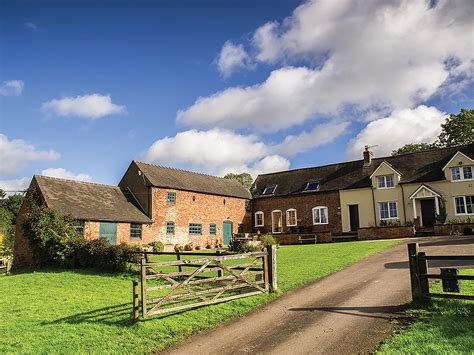 cottage holidays uk dovedale barn dovedale barn in ashbourne 1 9 mls n