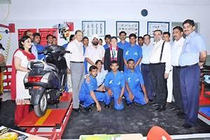 Snsf  U0026 Honda Inaugurate First Two-wheeler Mechanic Training Centre