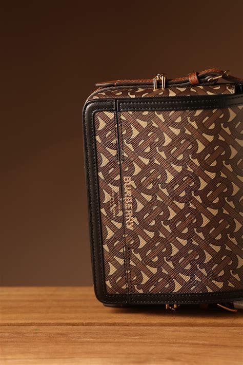 designer handbags  store shop fall winter  fashion bags