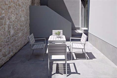 model teras rumah cantik  keramik