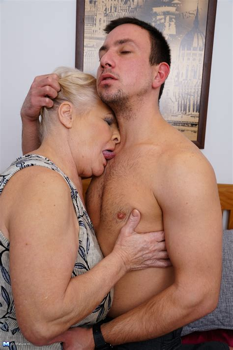 Cute Granny Pics - Mature bbw playing with her toy boy