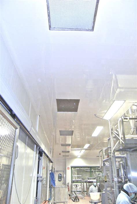 lames de plafond lisses et brillantes