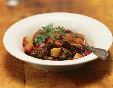 classic french venison bourguignon recipe