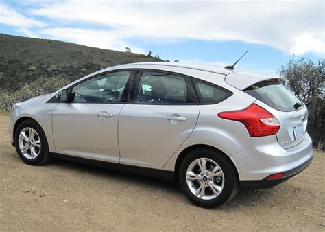 ford focus hatchback  amazing photo gallery