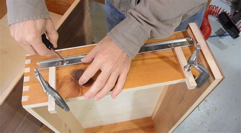 What Is The Best Way To Install Full Extension Drawer Slides In A Cabinet Blum Drawer Mats Watch Winding Insert How To Build Your Own System Cutting Board Slides Shoes Storage Drawers Paper Bases Locks Keyed Alike