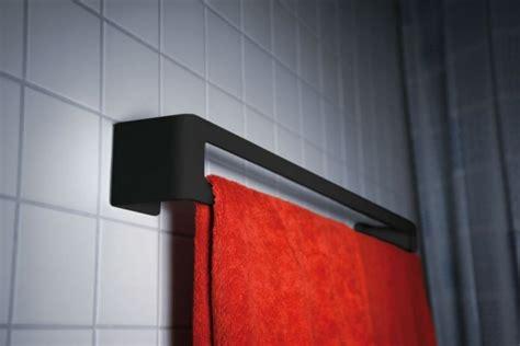 wand handtuchhalter bad radius wand handtuchhalter puro handtuchhalter wohn und designobjekte badezimmer artikel