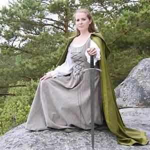 Kleidung Hochzeitsgast Frau : junge frau in der mittelalterlichen kleidung stockfoto bild 56105990 ~ Frokenaadalensverden.com Haus und Dekorationen