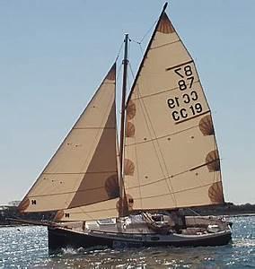 Small Cruising Sailboats: March 2013