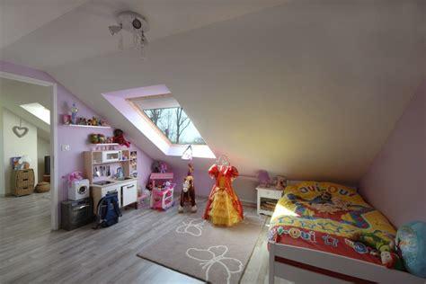 chambre bébé sous pente d 233 coration chambre a 28 images idee peinture