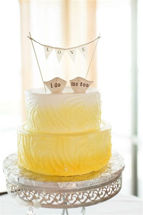 yellow ombre buttercream cake    topper